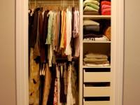 Гардеробная 2 кв. м. — фото интересных вариантов дизайна гардеробной маленького размера