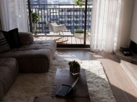 Гостиная с балконом — фото безупречного дизайна