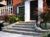 Идеи, как оформить крыльцо перед входом в частный дом (60+ фото)