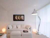 Гостиная в квартире в светлых тонах (70+ фото)