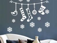 Как украсить стены в квартире на Новый год: 8 лучших идей с фото