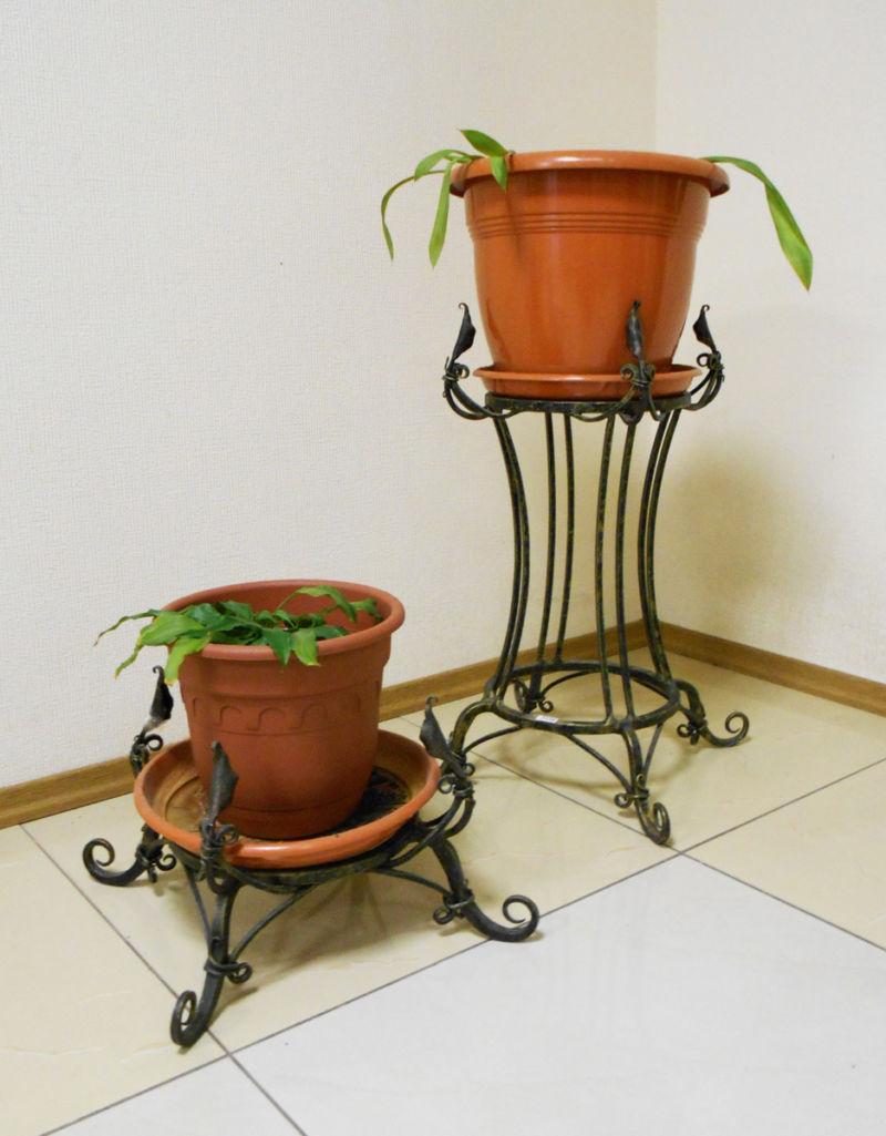 podstavka-pod-cvety-1-ruchnaya-kovka