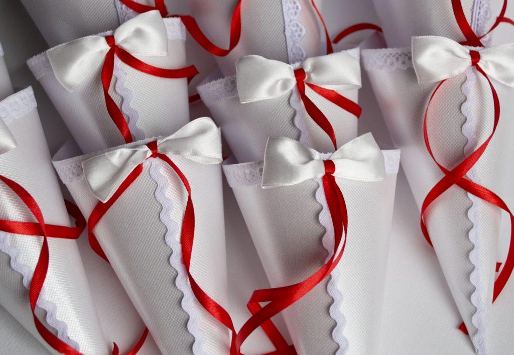 Как сделать лепестки для свадьбы