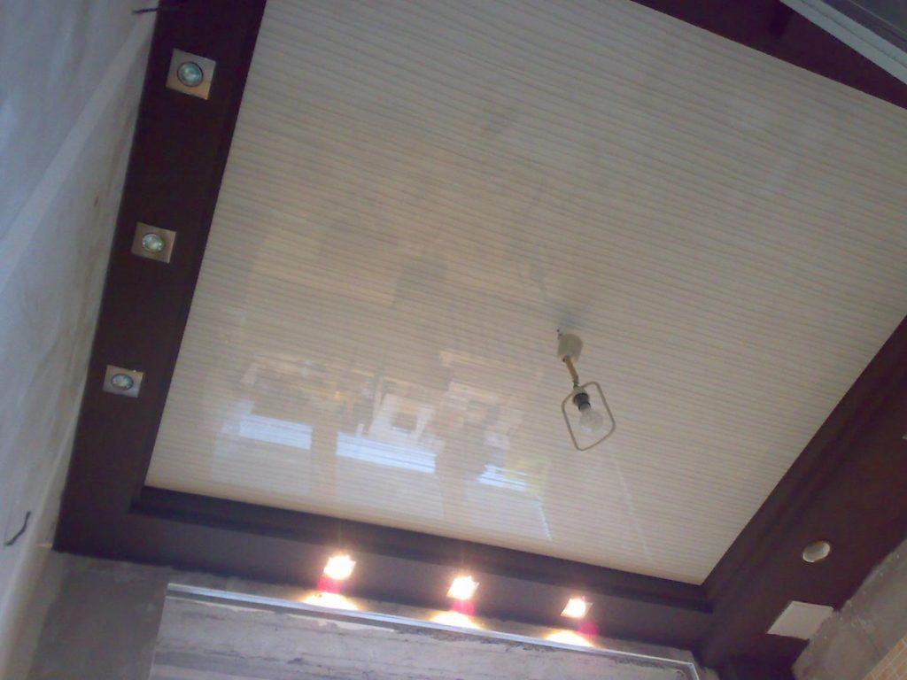 Подвесной потолок своими руками из пластика видео