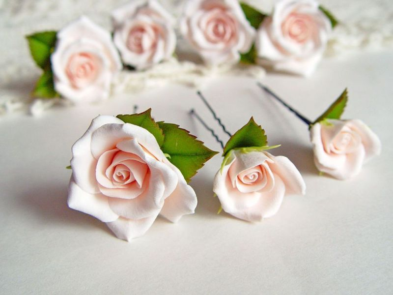 527823fee7fc3fc1f1a2ffa106xl-svadebnyj-salon-shpilki-chajnye-rozy-iz-polimernoj-gliny