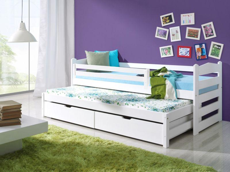 Кроватка совмещена с диваном