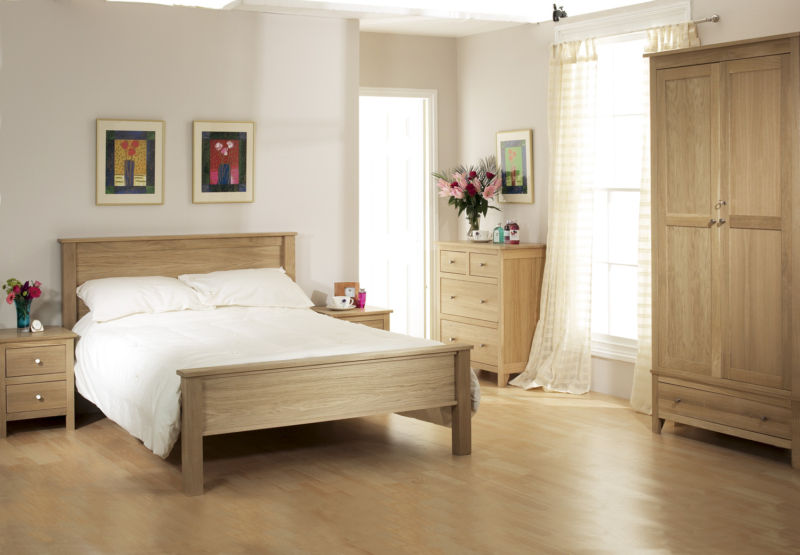 cream-and-oak-bedroom-furniture-modern-romantic-bedroom-decorating-ideas