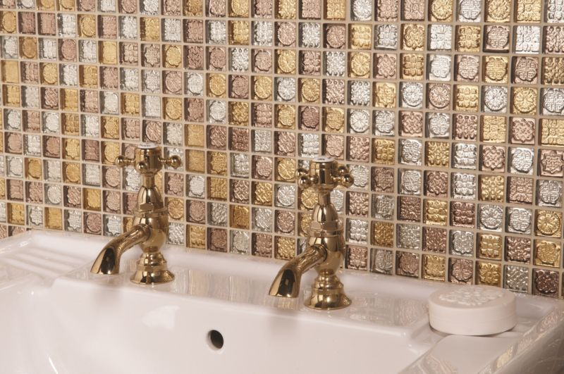 mozaic-tiles-with-gold-faucets-sinks-elegant-nuance