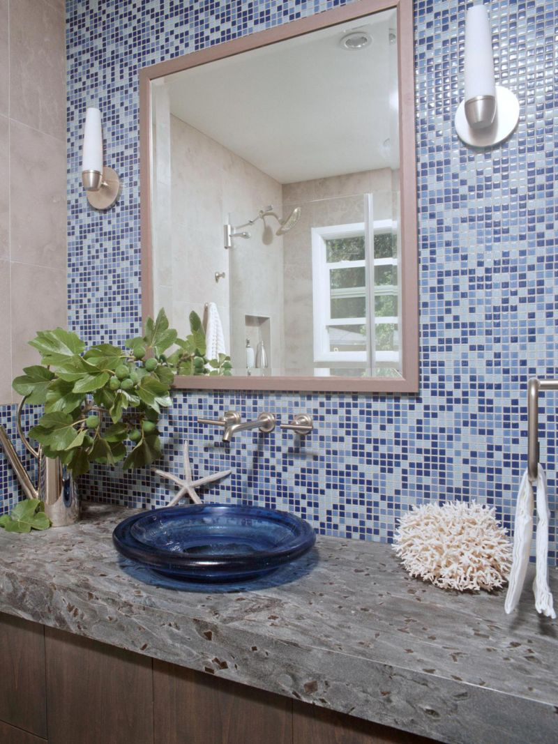 original_small-bathroom-storage-sarah-barnard-kilbourne-blue_s3x4-jpg-rend-hgtvcom-1280-1707
