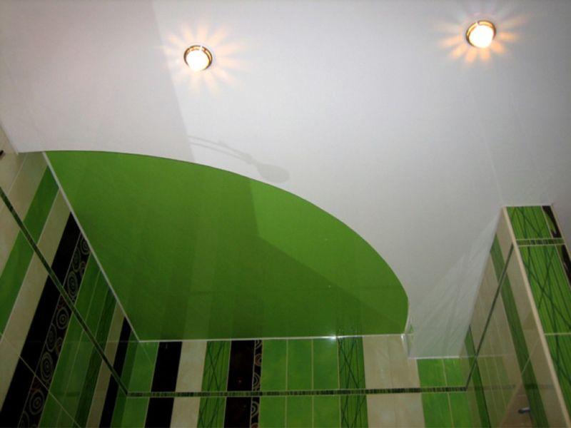 potolok-spajkoj-v-vannuyu-komnatu-zelenyj