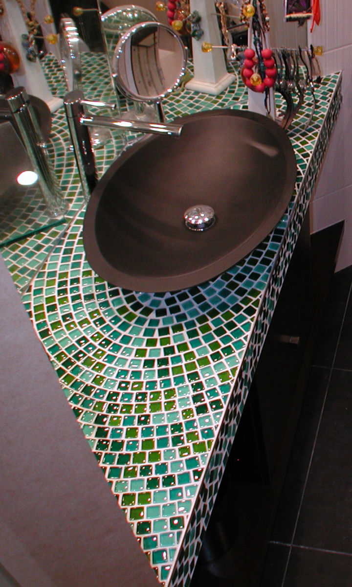 sink_-_bathroom_-_mosaic_glass
