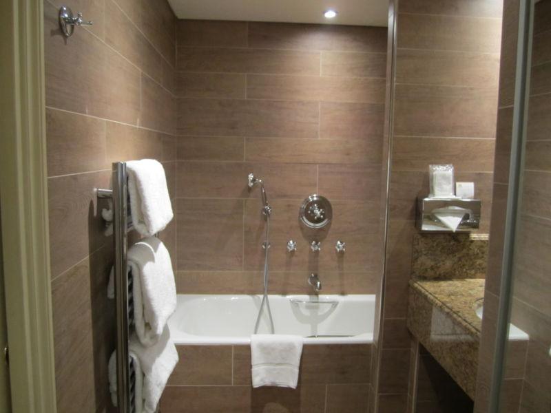 stunning-small-bathroom-ideas-beige-from-small-bathroom-ideas