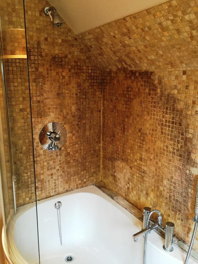 tumbled-marble-mosaic-bathroom-kidlington-before-093631