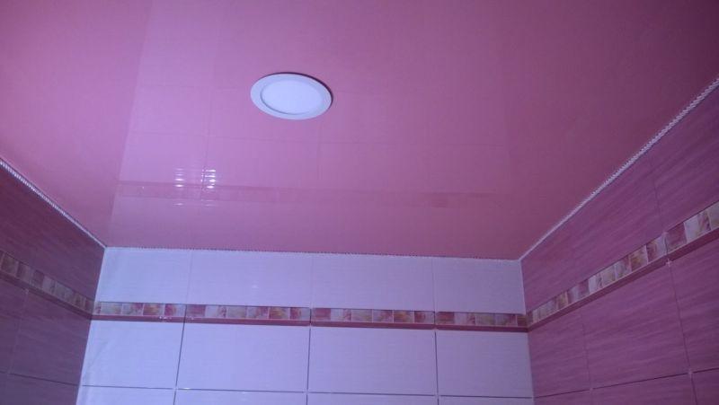 Натяжной_потолок_в_ванной