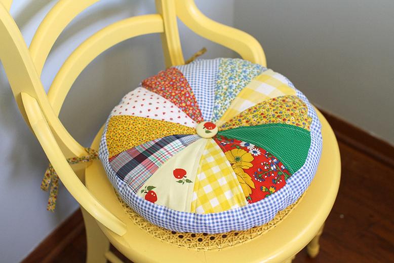 chair-cushion-using-scraps