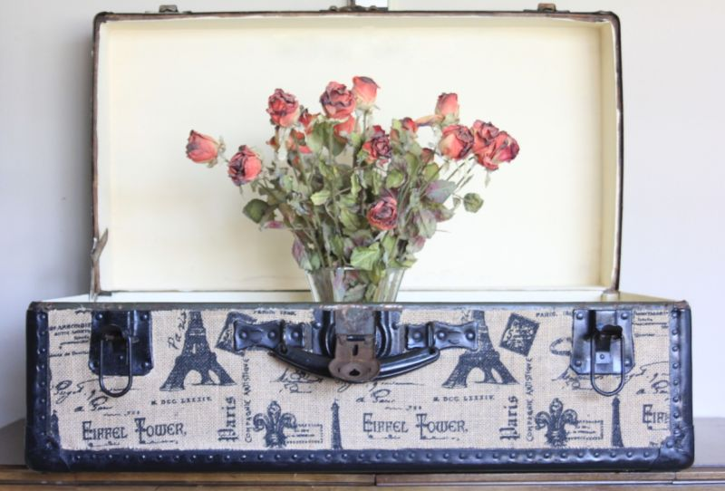 decoupage-trunk-with-roses