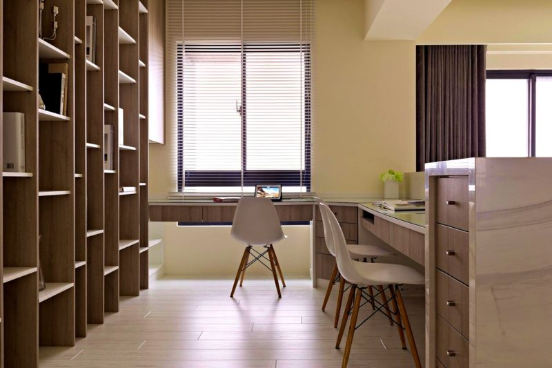 good-looking-design-office-interior-ideas-cream-wall-paint-color-l-shape-computer-desk-wooden-large-storage-racks-chest-of-drawers-glass-windows-with-blinds-white-gray-brown-laminated