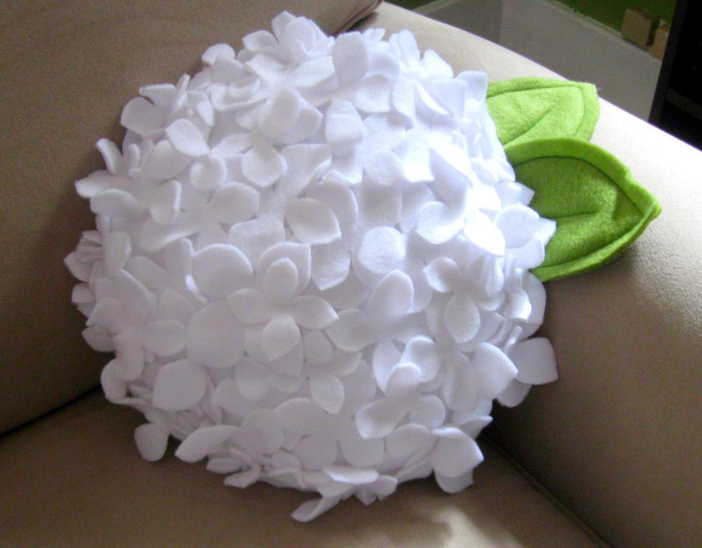 Декоративная подушка в форме цветка своими руками 40