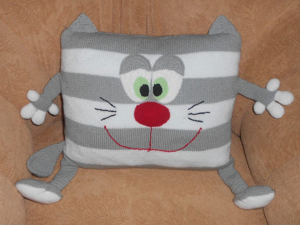 Подушка кот спицами пошаговые