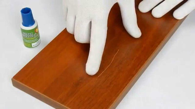 средство по уходу за мебелью из дерева