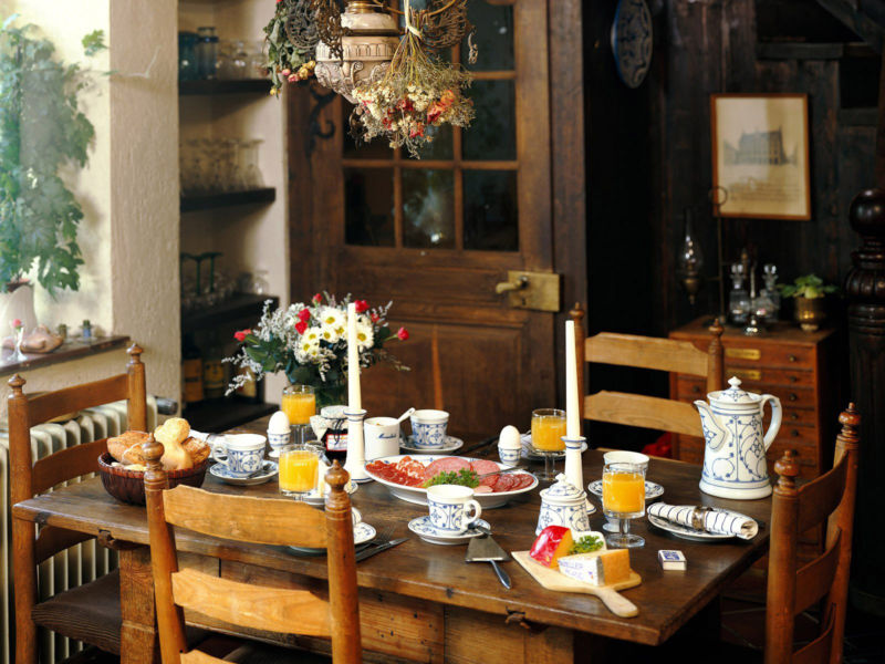 old-town-and-country-style-kitchen-lt-food-lt-miscellaneous