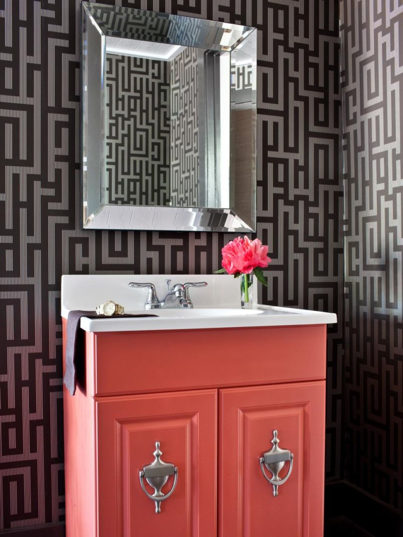 original-brian-flynn_bathroom-vanity-update-beauty_s3x4-jpg-rend-hgtvcom-966-1288