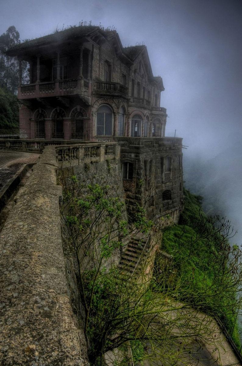 zabroshennyj-dom-v-gorax-kolumbii