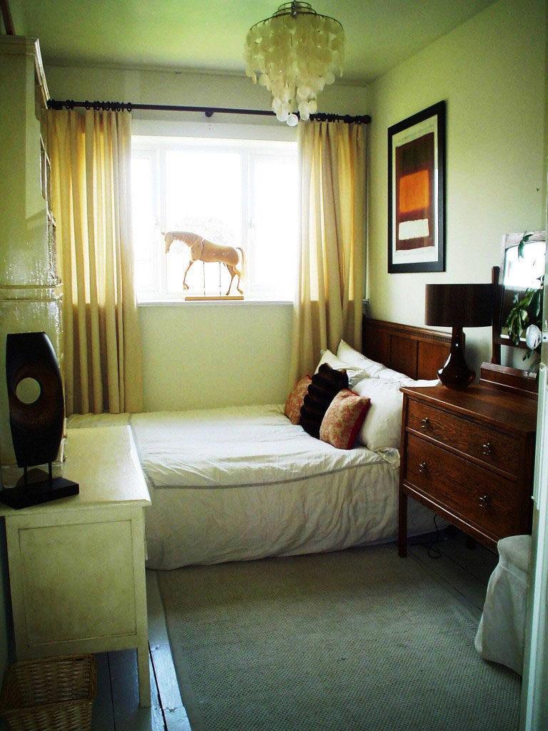 узкая спальня фото необычных дизайнерских решений