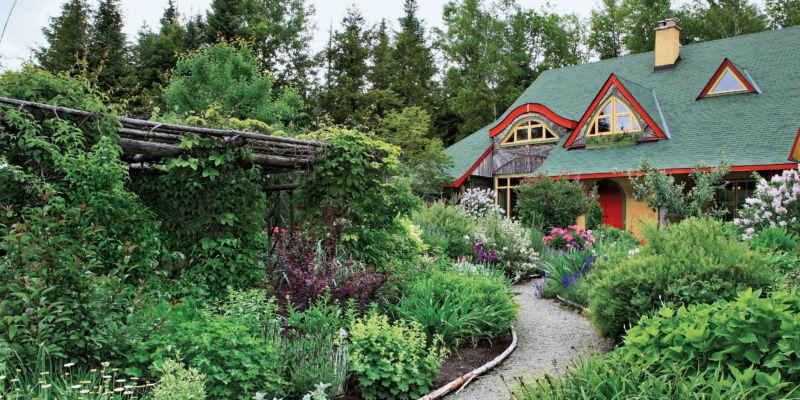 1426028002-garden-home-04-07