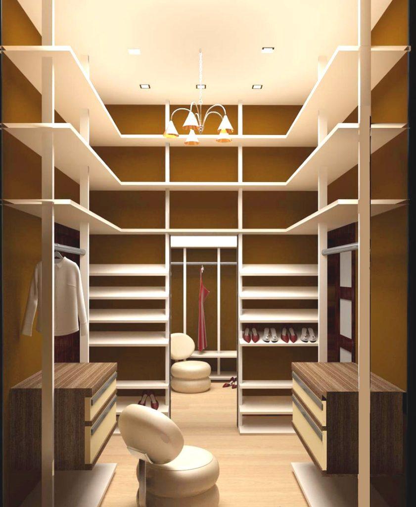 Гардеробная в квартире - фото нестандартных решений оформлен.