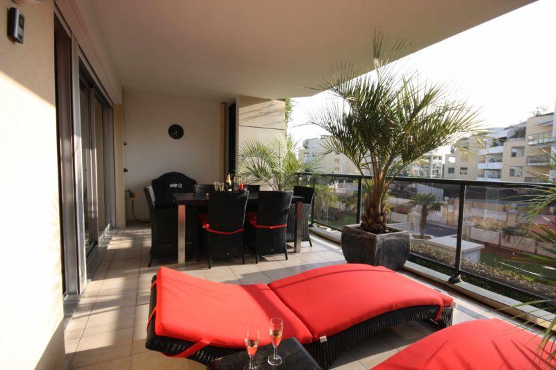 25-balcony-design-ideas-11