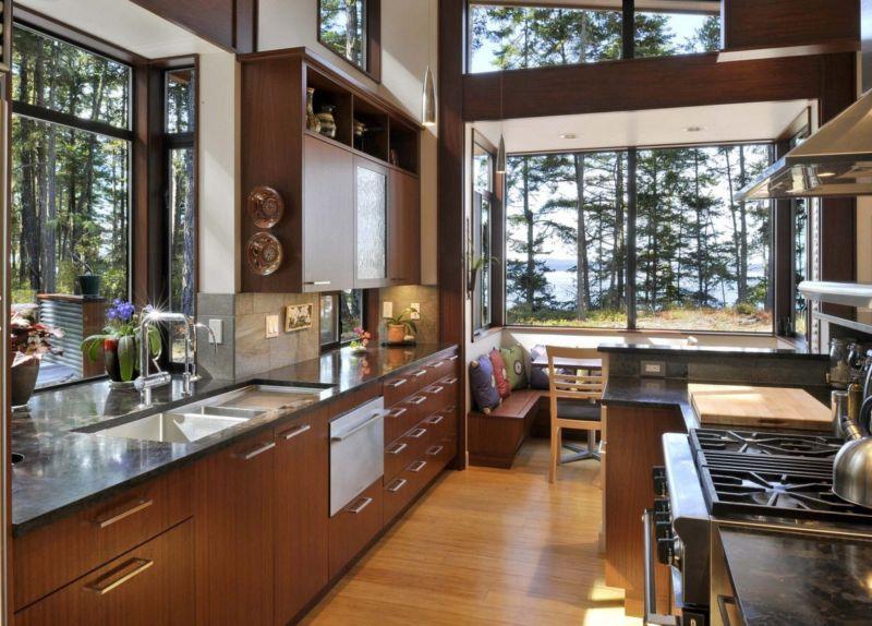 кухня с окном фото стильного дизайна кухни с окном