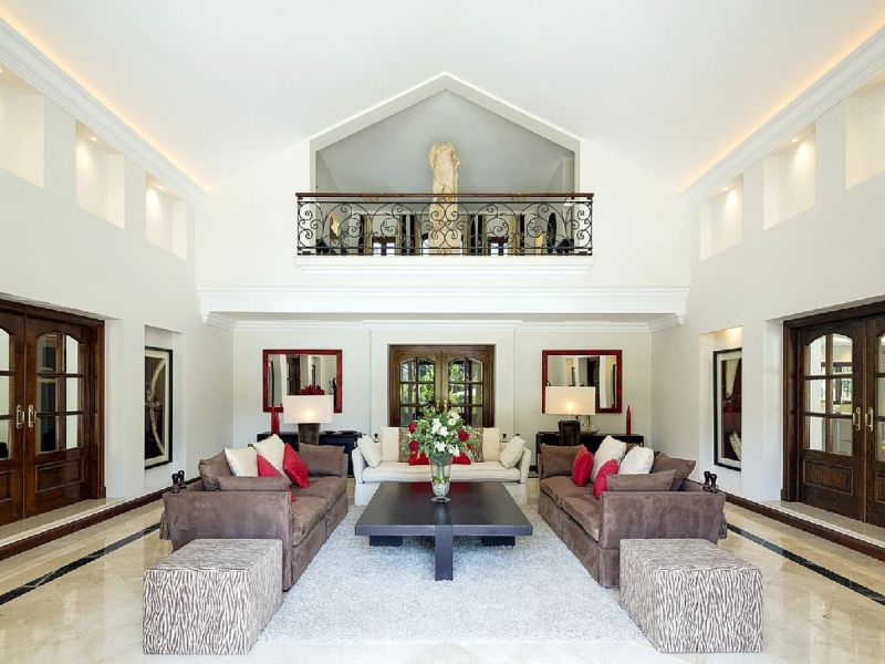7-luxury-marbella-villa-living-room-with-balcony
