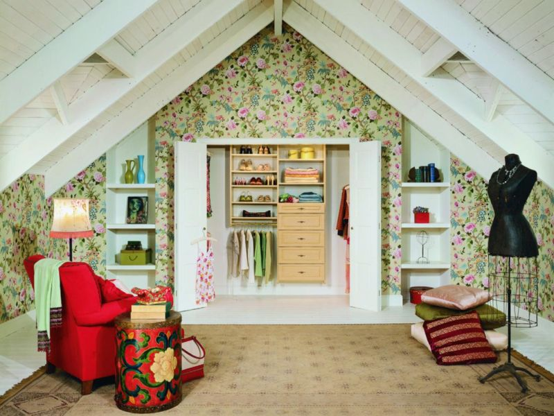 ci-california-closets_attic-closet_s4x3-jpg-rend-hgtvcom-1280-960