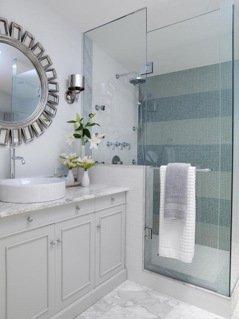 flsra204fl_main-bathroom_s3x4-jpg-rend-hgtvcom-1280-1707