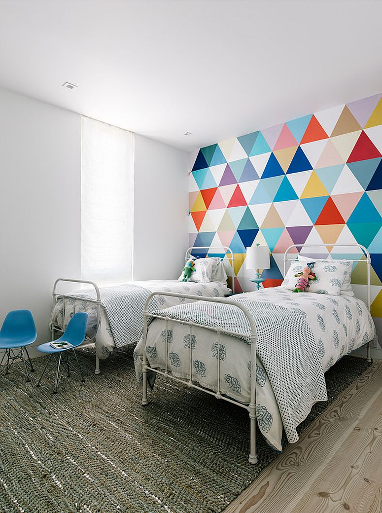 fabulous-wallpaper-adds-color-and-pattern-to-the-cool-kids-bedroom