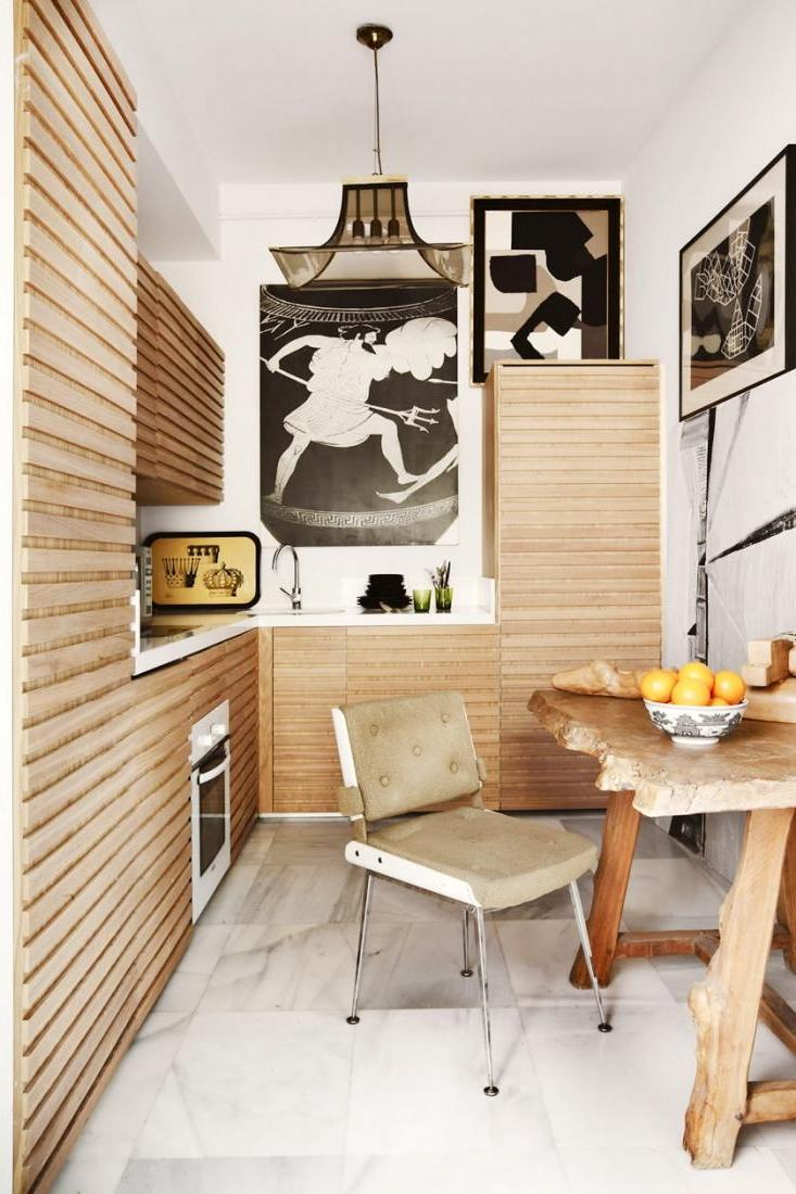 fabulous-wooden-kitchen-set-in-a-small-kitchen-space-along-with-timber-dining-table-and-retro-chair-also-beautiful-pendant-decor