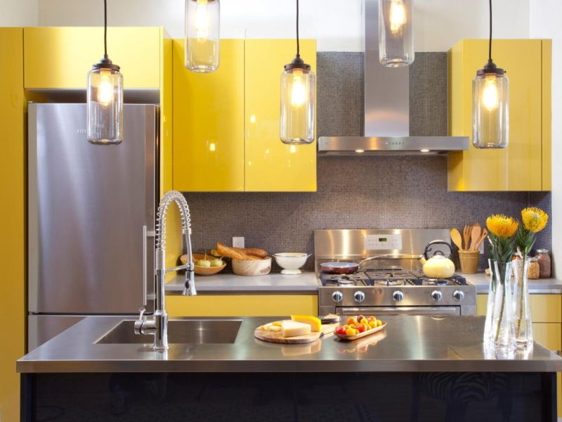 hkitc111_after-yellow-kitchen-cabinets-close_s4x3jpg_4x3-jpg-rend-hgtvcom-1280-960