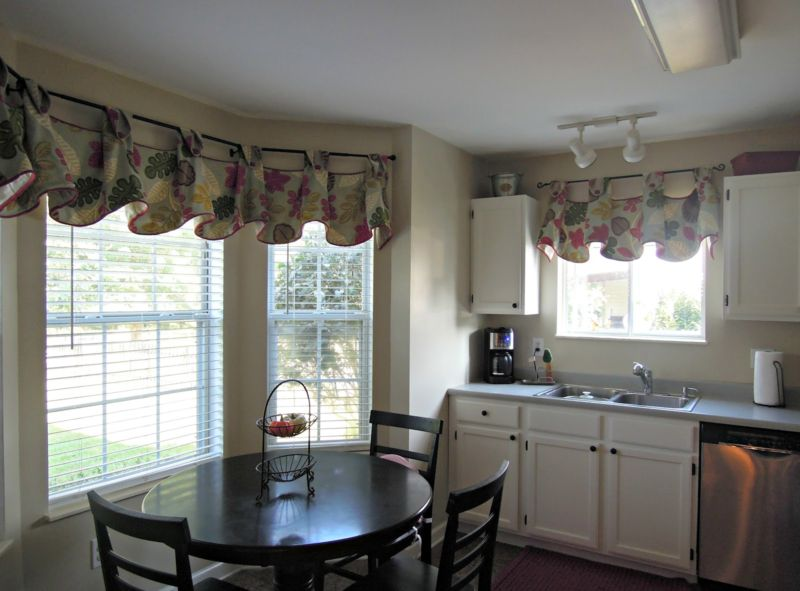 modern-kitchen-curtains-and-valances