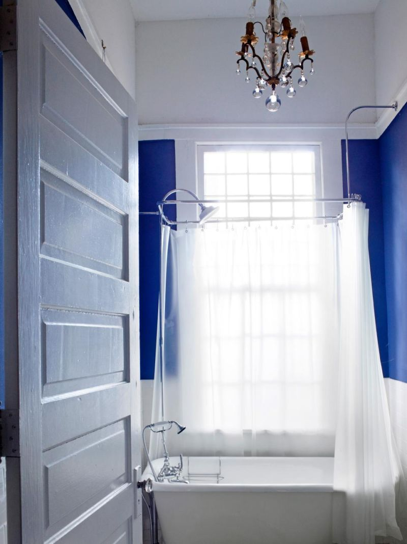 original_brian-patrick-flynn-small-bathroom-blue_v-jpg-rend-hgtvcom-966-1288