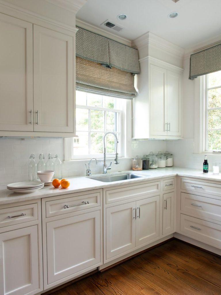 Как сделать кухню под окном фото 552
