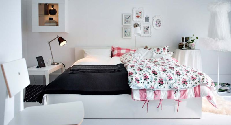 pink-white-bedroom-design