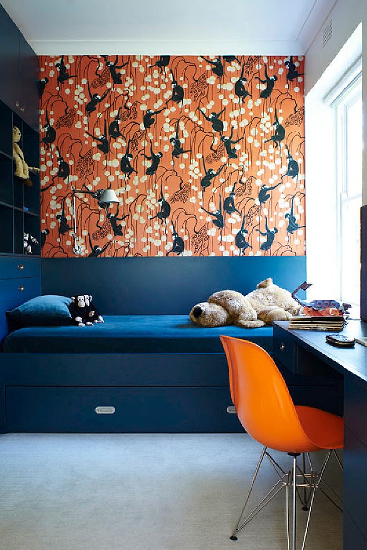 trundle-bed-in-navy-blue-and-deco-monkeys-in-biscuit-by-de-gournay-wallpaper-for-the-vivacious-kids-room