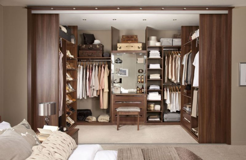 walk-in-closet-for-men-masculine-closet-design-22