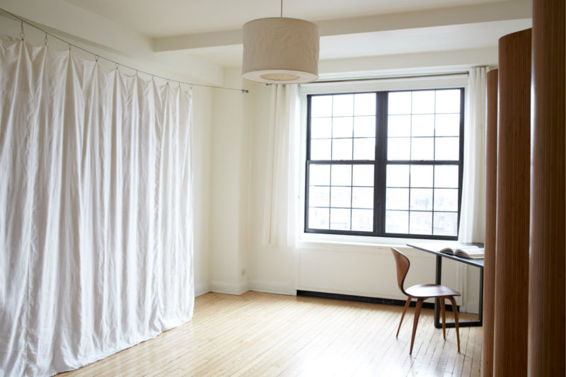 white-room-partition-curtain
