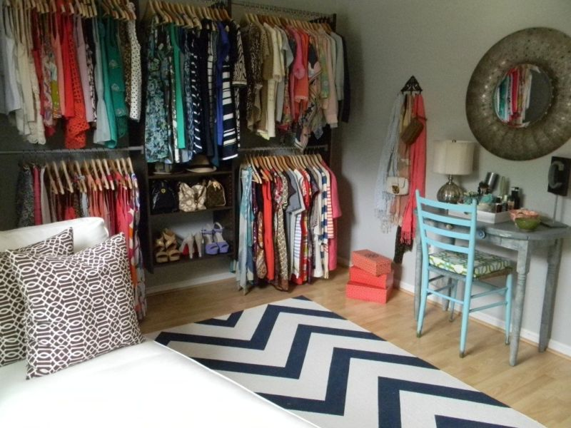 bedroom-closet-out-of-season-clothes