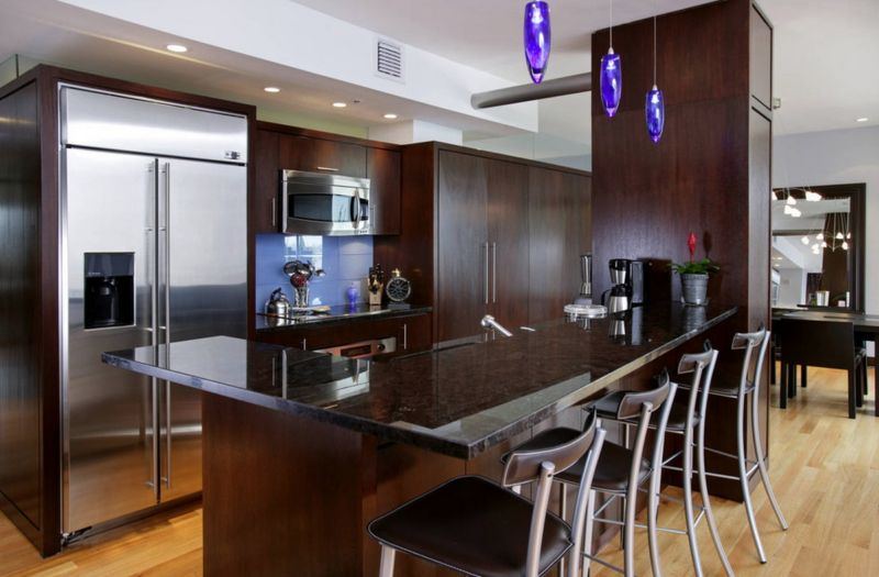 brightening-dark-interiors_kitchen-pendent-lighting