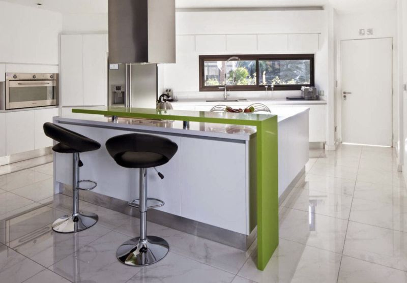 comely-white-kitchen-bar-set-with-decorative-black-stools-also-green-bar-table-accent-inspiration