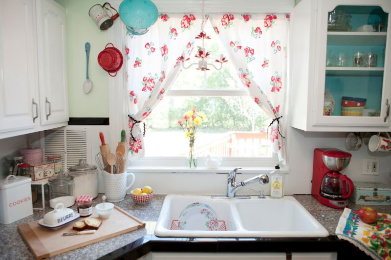 curtains-for-kitchen-windows