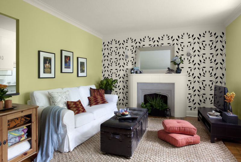 glamorous-green-accent-wall-living-room